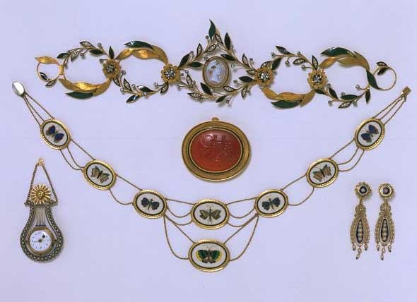 Stunning Collection 19th century archaeological Jewellery V & A Museum London