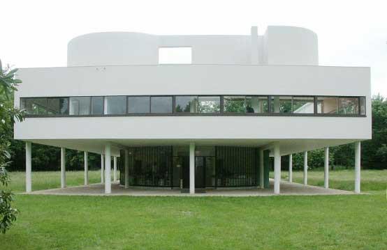 Facade-Ultimate-Savoye-Modern-Villa-by-Le-Corbusier-in-Poissy-Paris