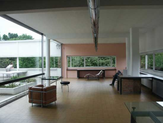 Modern-House-Interior-Design-by-Le-Corbusier-in-Poissy-Paris