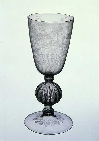 Diamond-point-engraved-glass,-with-mould-blown-stem-att-Verzelini