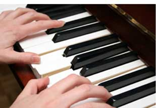 two-hands-piano-L