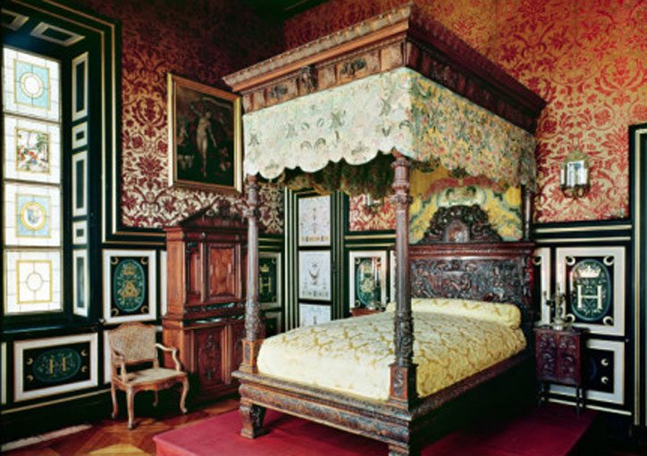 Diane-de-Poitiers-Bedroom