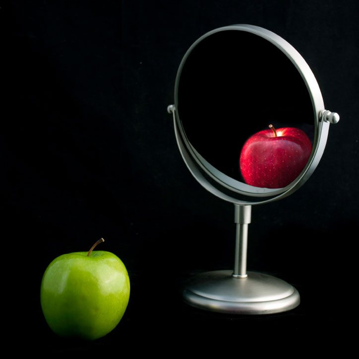 Apples-in-Mirror