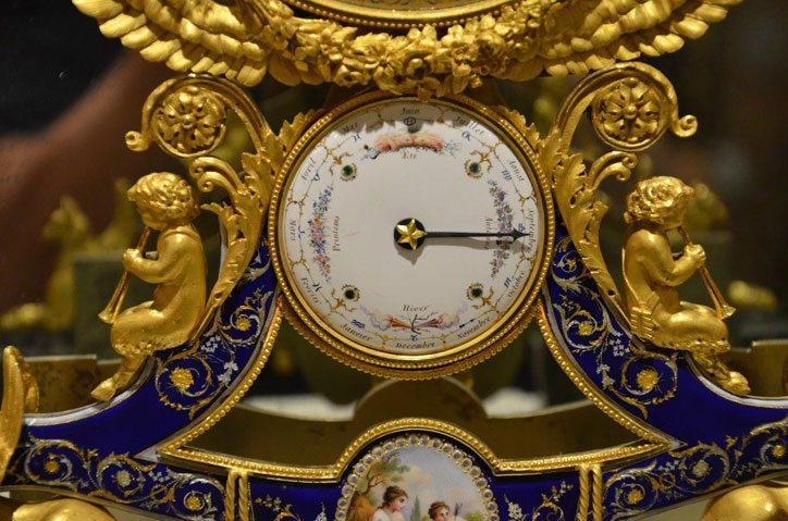 Cupids-David-Roche-Clock