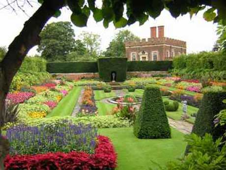 Queen's Garden at Hampton Court inspired by Italianate influences