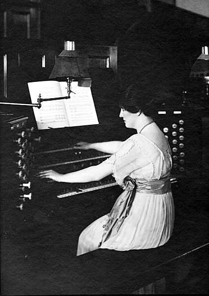 Mrs-Willmore-at-Exhibition-console-1