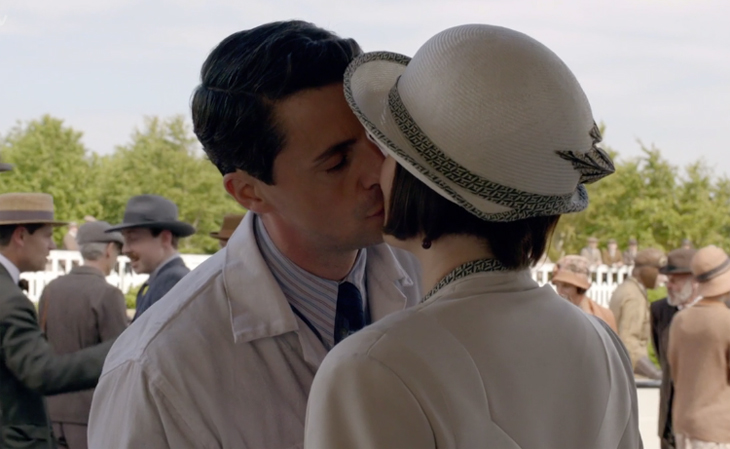 Henry and Mary Kiss