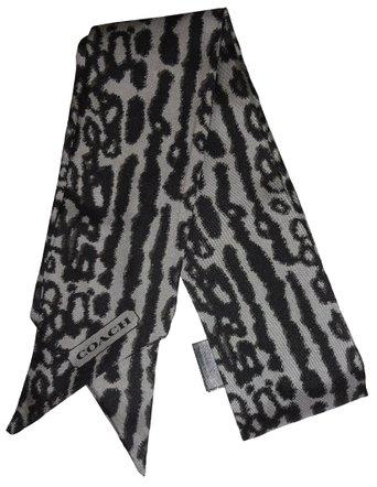 coach-ponytail-scarf