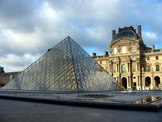 Mus e du louvre accessing the architecture and collections the culture co - Date construction du louvre ...