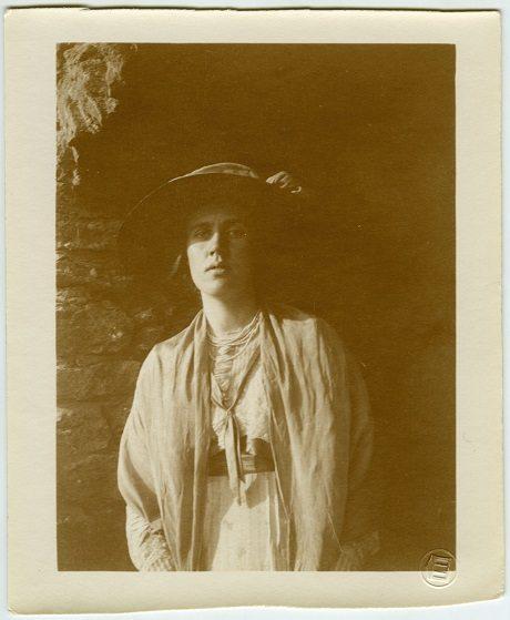Vanessa Bell at Durbins, 1911