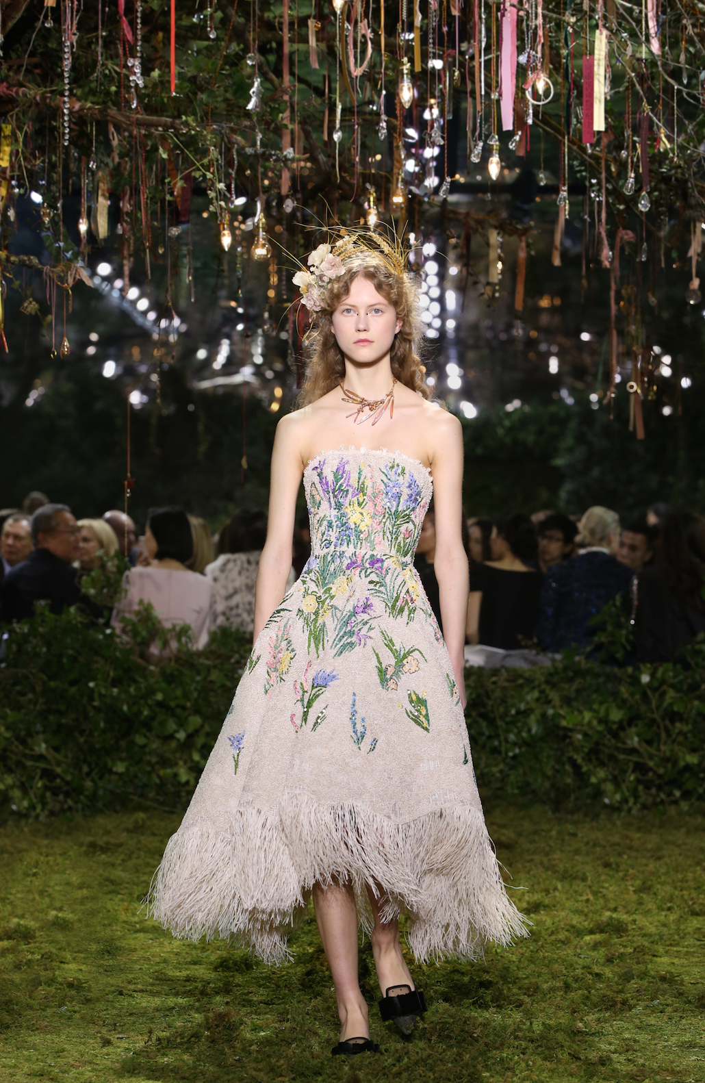 Christian Dior, Paris (fashion house) Maria Grazia Chiuri (designer) Essence d'Herbier Ecru fringe cocktail dress, floral raffia and thread embroidery derived from a Monsieur Dior original (1900 hours of work) Hedgerow headdress in silk flowers and corn Haute Couture spring–summer 2017 Collection © Dior