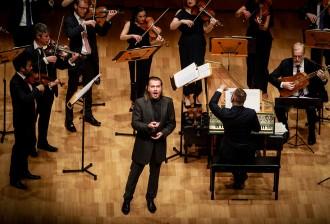Dmtiry Sinkovsky Sings