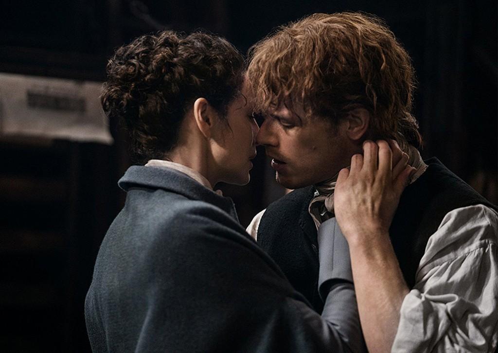 Jamie & Claire Kiss